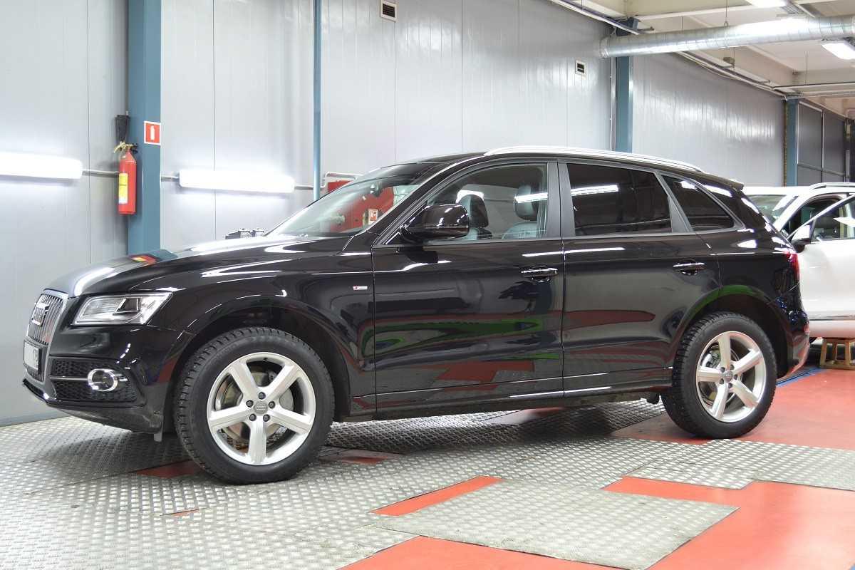 Audi Q5 Антигравийный материал LLumar PPF Gloss