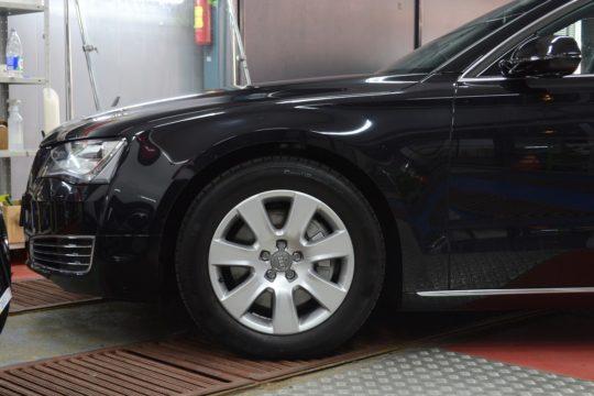AUDI A8 Защита полиуретановым материалом LLumar PPF Gloss