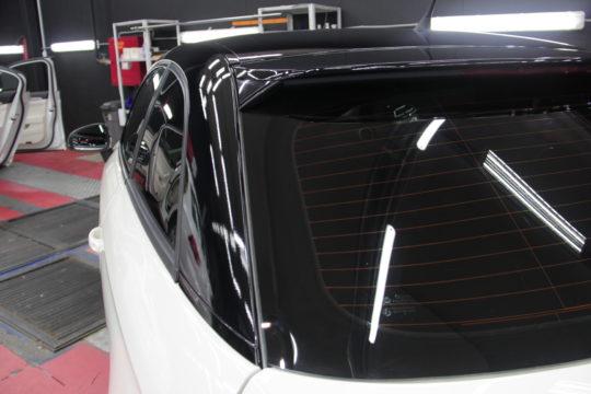 AUDI A1 Оклейка крыши, стоек и зеркал пленкой Avery Dennison USA