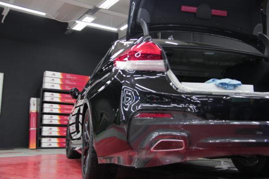 BMW 750 Оклейка антигравийной пленкой LLumar PPF Gloss   Покрытие Сeramic Pro 9Н